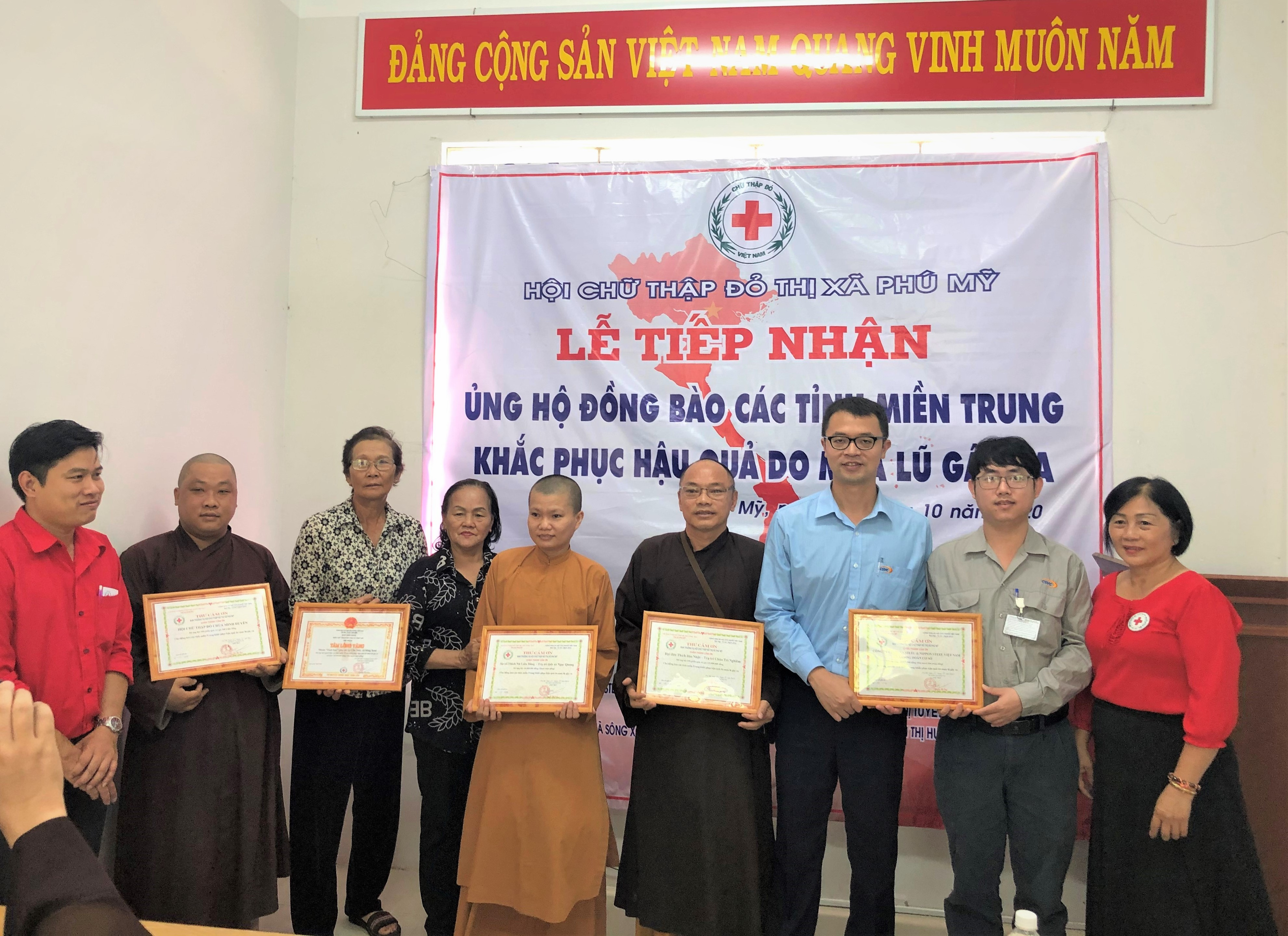 SUPPORTING CENTRAL VIETNAM WHERE AFFECTED BY TYPHOONS AND FLOODS
